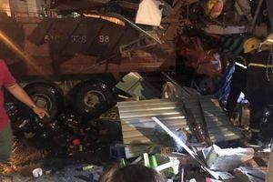 Thực hư chuyện xe ben lao vào nhà dân bên cầu Chánh Hưng tông chết 4 người?