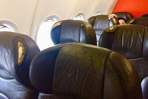 Hành khách 'tố' ghế ngồi quá cũ, Jetstar Pacific nói gì?