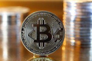 Giá Bitcoin tiệm cận mốc 9.000 USD
