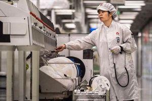 Doanh số smartphone Huawei có thể 'bốc hơi' 1/4 vì lệnh trừng phạt của Mỹ