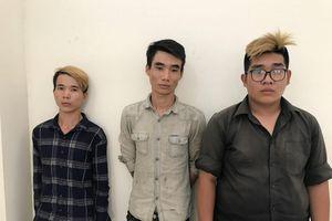 Băng nhóm tuổi teen dùng hung khí cướp xe trong đêm ở Sài Gòn