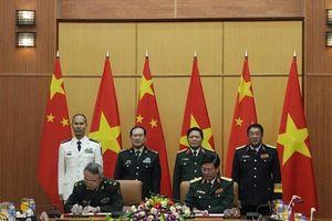 Đại tướng Ngô Xuân Lịch hội đàm với Bộ trưởng Quốc phòng TQ