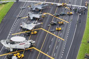 Máy bay Đài Loan hạ cánh xuống cao tốc trong cuộc tập trận đối phó TQ