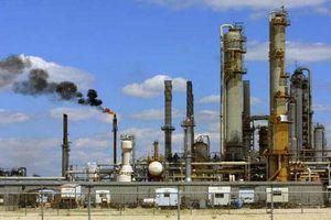 Giá dầu phục hồi lên hơn 70 USD/thùng nhờ nguồn cung siết chặt hơn