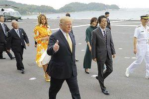 Tổng thống Mỹ lần đầu đặt chân lên tàu khu trục mang trực thăng của Nhật