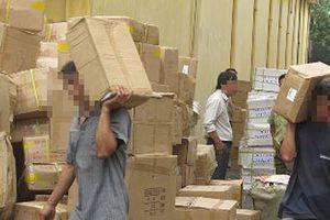 'Mặt thật' 6 gã bốc vác thuê tại khu công nghiệp, làng nghề ở Hưng Yên