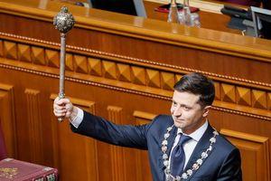 Đảng của Tổng thống Ukraine tuyển nhà lập pháp 'đạo đức tốt'