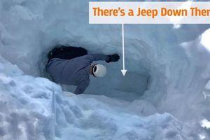 Bị vùi sâu 3 mét dưới tuyết trong 4 tháng, chiếc ôtô còn có thể chạy?