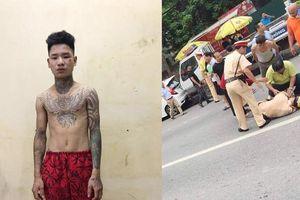 Nam thanh niên 9X xăm trổ đi xe máy đâm gục cảnh sát giao thông