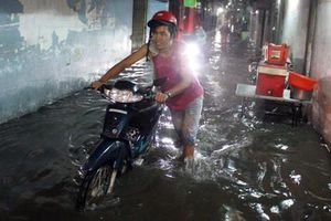 Dự báo mưa rất kém, hỏi thì nói 'mưa rải rác vài nơi'!