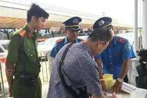 Xử phạt 55 vụ xe chở khách vào sân bay Tân Sơn Nhất