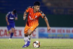 Đức Chinh ghi bàn vào lưới đội đầu bảng V-League rồi lên tuyển