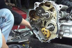 Lật tẩy những chiêu 'luộc khách' nhằm vào nữ giới của thợ sửa xe máy