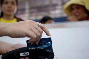 Ngân hàng đổi thẻ để chống trộm