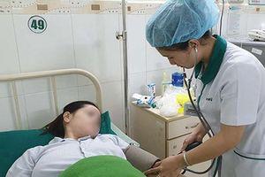 Thai phụ bị băng huyết ngất trước ga tàu may mắn gặp được người tốt