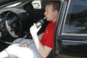 Đề xuất tước giấy phép lái xe 12 tháng với lái xe có nồng độ cồn vượt quy định