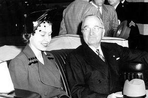 Nữ hoàng Elizabeth II và cuộc gặp gỡ với 12 đời Tổng thống Mỹ