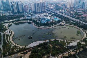 Hà Nội: Công viên Hồ điều hòa hàng trăm tỷ ô nhiễm, bốc mùi hôi tanh nồng nặc