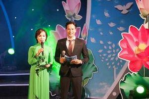 Diễn viên Đoàn Minh Tài bén duyên truyền hình trực tiếp