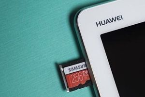 Huawei trở lại với Hiệp hội thẻ nhớ SD