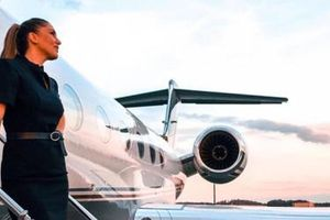Đi 130 nước nhờ làm tiếp viên hàng không cho VIP