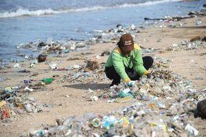 Môi trường biển tiếp tục bị đầu độc
