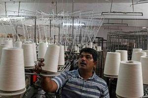 Kinh tế Ấn Độ tăng trưởng thấp nhất trong 17 quý, xếp sau Trung Quốc