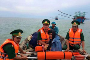 Quảng Trị: Cứu kịp thời một thuyền viên gặp nạn trên biển