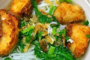 Hôm nay ăn gì: Bánh đa cá rau cải ai ăn cũng khen ngon