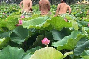 Nhóm nam thanh niên cởi trần, khoe thân phản cảm ở hồ sen là ai?