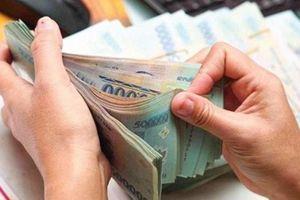 Vợ tiêu tiền không rõ nguồn gốc của chồng có thể phạm tội rửa tiền