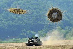 Bất ngờ cách xe tăng Trung Quốc 'ẩn thân' dưới mưa tên lửa