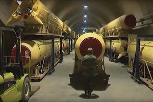 Iran hé lộ video hầm ngầm khủng chứa đầy tên lửa