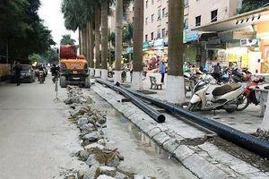 Vụ đào đường, lắp ống bán nước trái phép: Sở Xây đựng Hà Nội nói gì?