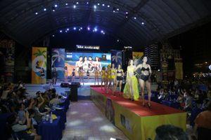 Trình diễn thời trang bikini biển kết hợp đại nhạc hội EDM 'đốt cháy' bãi biển Đà Nẵng
