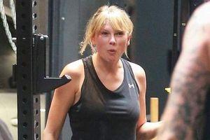 Taylor Swift gây sốc với thân hình đô to, bắp tay rững mỡ trong phòng gym