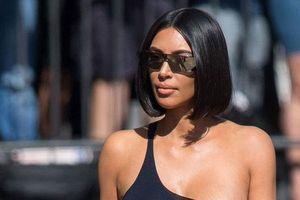 Kim Kardashian gây bất ngờ khi cắt phăng mái tóc dài triệu đô để đến với tóc ngắn hot trend