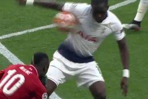 Bùng nổ tranh cãi quả penalty của Liverpool ở Champions League
