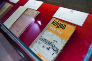 Trưng bày sách quý hiếm hàng trăm năm tuổi