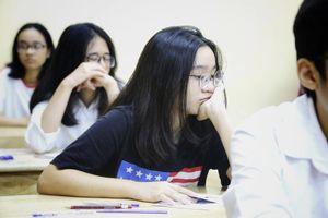 Hơn 160.000 học sinh Hà Nội và TP.HCM thi vào lớp 10