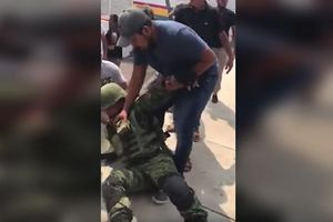 Vụ việc người dân Mexico bắt cóc binh sĩ gây tranh cãi