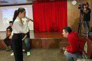 Clip: Phản ứng đáng chú ý của Gil Lê khi bị Phạm Quỳnh Anh dùng nhạc Chi Pu để trêu chọc
