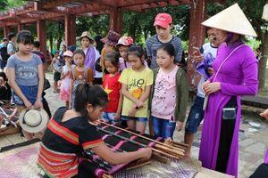 Hấp dẫn 'Ngày hè của em' tại Làng Văn hóa du lịch các dân tộc Việt Nam