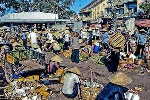 Ấn tượng những ngôi chợ lâu đời nhất Hà Nội