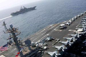 Tàu sân bay, máy bay ném bom Mỹ tập trận tấn công sát Iran