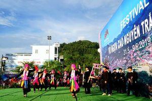 Festival Cao nguyên trắng Bắc Hà 2019: Tưởng 'vỡ trận' mà lại rất thú vị