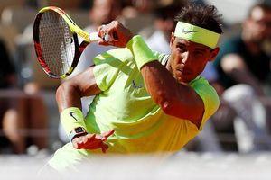 Roland Garros: Nadal mừng sinh nhật 33 tuổi bằng trận thắng thứ 90, Wawrinka loại Tsitsipas