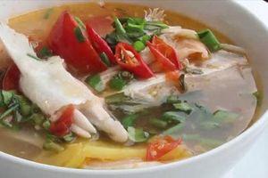 Cách khử mùi tanh của cá cho nồi canh chua lườn cá hồi thơm ngon đến giọt cuối cùng