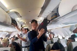 Liên tiếp phát hiện khách ngoại dùng thủ đoạn tinh vi trộm cắp trên máy bay