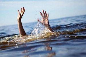 Nghỉ phép về quê tắm biển, 2 chiến sĩ quân đội đuối nước thương tâm